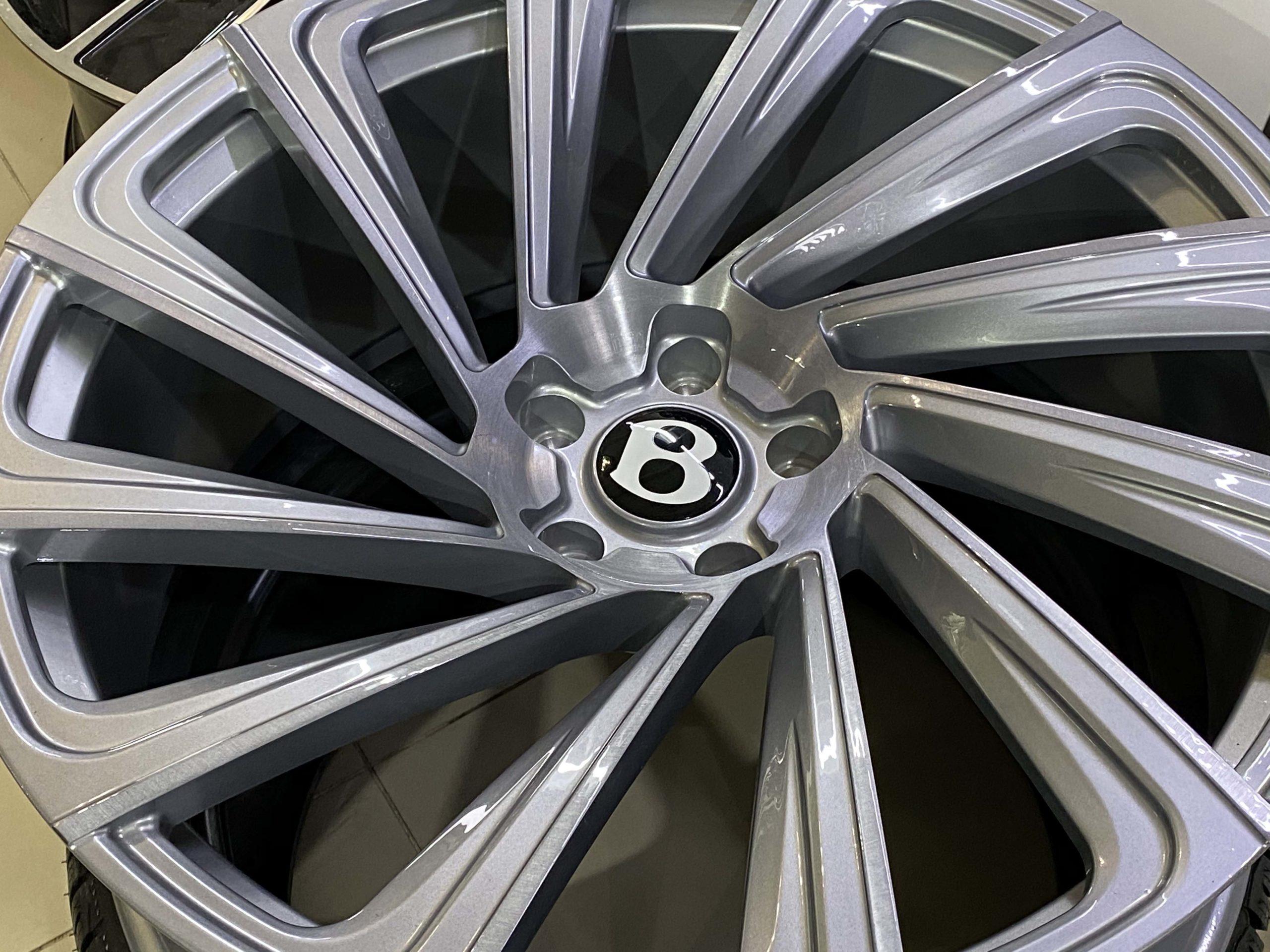 диски Bentley Bentayga R24