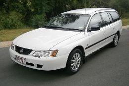 Фото Holden Commodore 2002