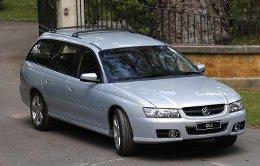 Фото Holden Commodore 2004