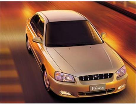 Фото Hyundai Verna 2004