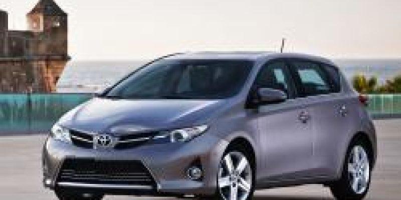 Фото Toyota Auris 2014